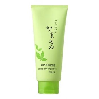Пенка для очищения Green Tea Moist Cleansing Foam